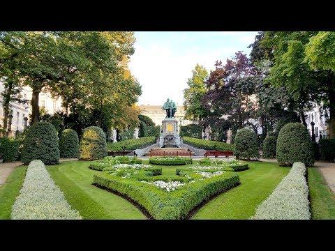 Brussels center Walking tour - place Sablon sightseeing - Brussels Travel